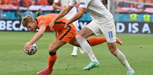 """Matthijs de Ligt: """"Hà Lan thua sốc vì sai lầm của tôi"""" - Ảnh 1."""