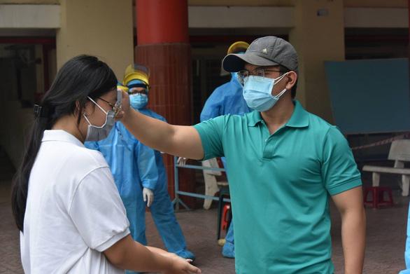 Sáng 28-6: 62/97 ca mắc COVID mới ở TP.HCM, đề nghị thí điểm 'hộ chiếu vắc xin' ở Phú Quốc - Ảnh 1.