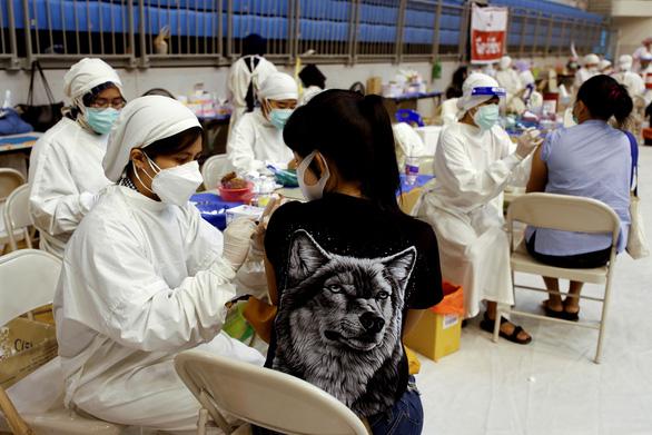 Ca nhiễm mới trong ngày ở Thái Lan giờ nhiều hơn ở châu Âu - Ảnh 1.