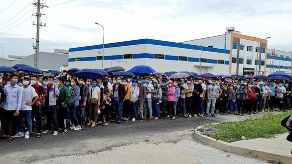 Ca mắc COVID-19 'lọt giữa hàng ngàn công nhân đi xét nghiệm - Ảnh 2.
