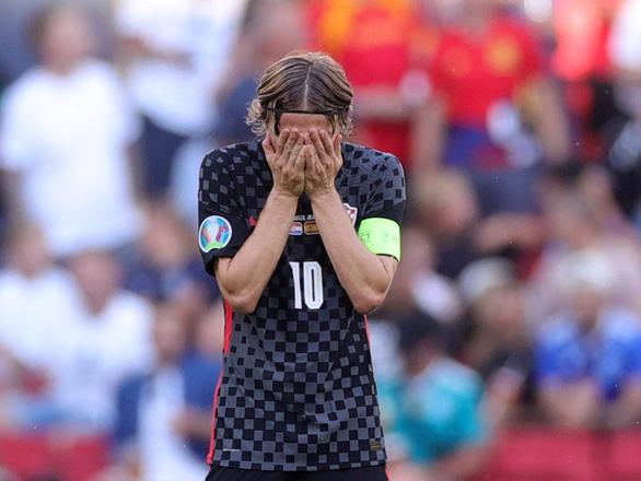 Modric từ chối trả lời có tiếp tục thi đấu ở World Cup 2022 không? - Ảnh 1.