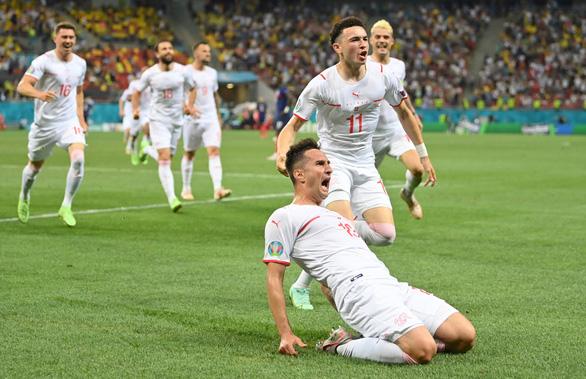 Đương kim vô địch thế giới Pháp bị Thụy Sĩ loại khỏi Euro 2020 sau loạt sút luân lưu - Ảnh 1.