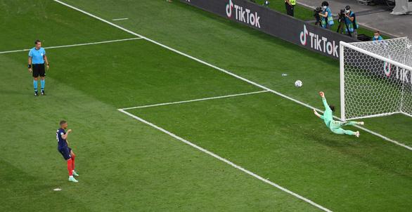 Đương kim vô địch thế giới Pháp bị Thụy Sĩ loại khỏi Euro 2020 sau loạt sút luân lưu - Ảnh 4.