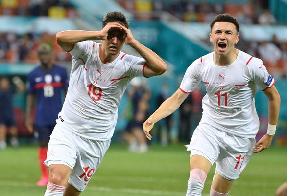 Ngày điên rồ' của Euro 2020 - Ảnh 1.