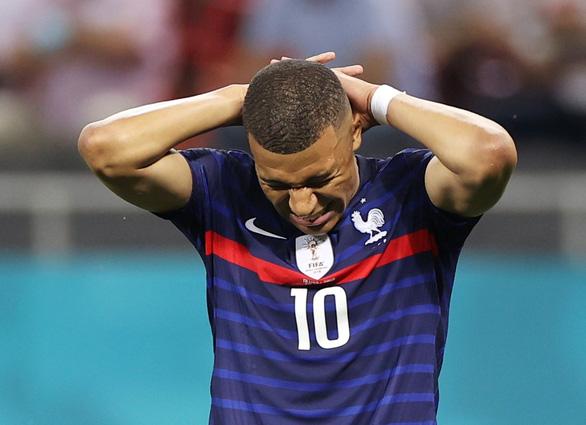 Vua bóng đá Pele động viên Mbappe: Ngẩng đầu lên, Kylian! - Ảnh 1.