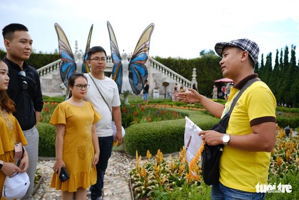 Lao động ngành du lịch Đà Nẵng được tiếp cận nguồn vốn vay ưu đãi 65 tỉ đồng - Ảnh 1.