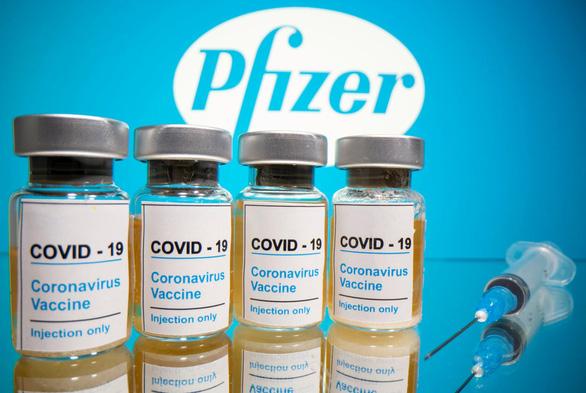 Mỹ chuyển lô vắc xin Pfizer đầu tiên viện trợ ra nước ngoài - Ảnh 1.