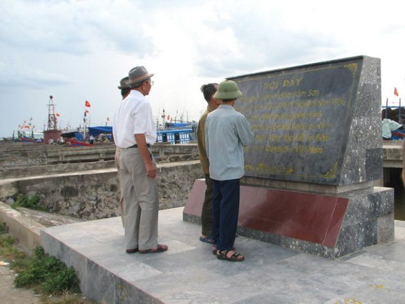 Chủ tịch UBND TP Sầm Sơn: Chưa xây dựng khu lưu niệm tập kết ra Bắc - Ảnh 1.