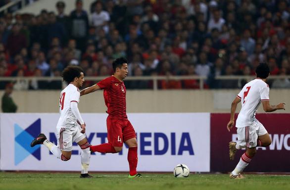 Giá quảng cáo các trận đấu của  tuyển Việt Nam ở UAE tăng mạnh - Ảnh 1.