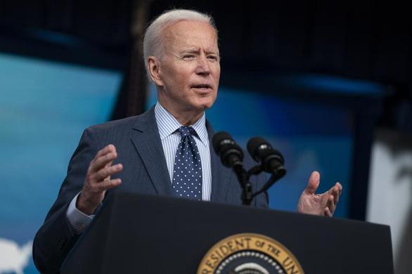 Tổng thống Biden kêu gọi: Hãy đi uống ly bia và tiêm mũi vắc xin - Ảnh 1.