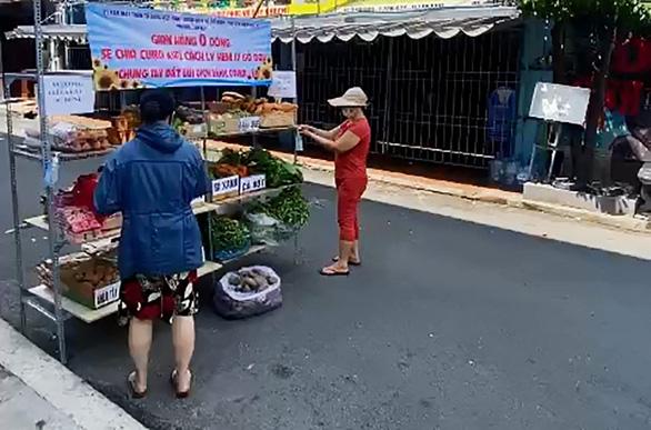 Gian hàng 0 đồng cho khu cách ly ở quận Tân Phú - Ảnh 4.