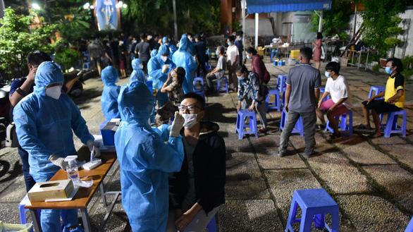 KHẨN: Đơn vị Nhà nước nào có người lao động sống ở Gò Vấp gửi danh sách để xét nghiệm trong ngày - Ảnh 1.