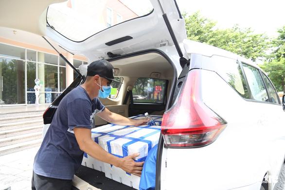 Người Đà Nẵng mua cả xe hơi vải thiều giúp nông dân Bắc Giang - Ảnh 1.
