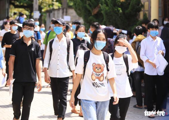 Đề Ngữ văn lớp 10 chuyền tay ở Nghệ An: Hàng giả - Ảnh 2.