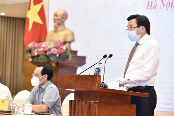 Việt Nam không được ưu tiên vaccine COVID-19 vì chống dịch tốt - Ảnh 2.