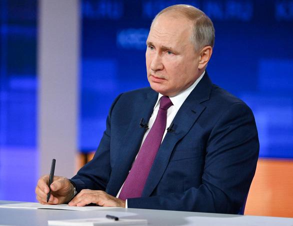 Người dân Nga hỏi Tổng thống Putin: Ông đã tiêm vắc xin gì? - Ảnh 1.