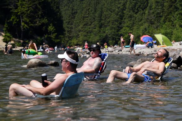 Canada thêm ít nhất 233 người chết vì nắng nóng kỷ lục - Ảnh 4.