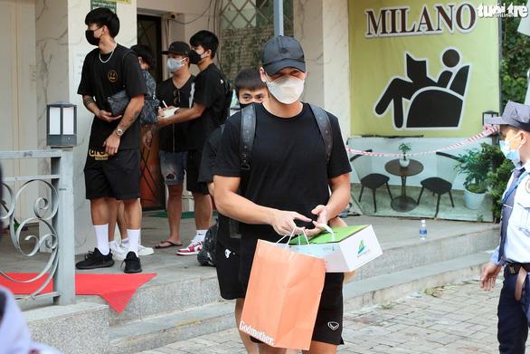 Đội tuyển Việt Nam hoàn thành cách ly y tế - Ảnh 6.