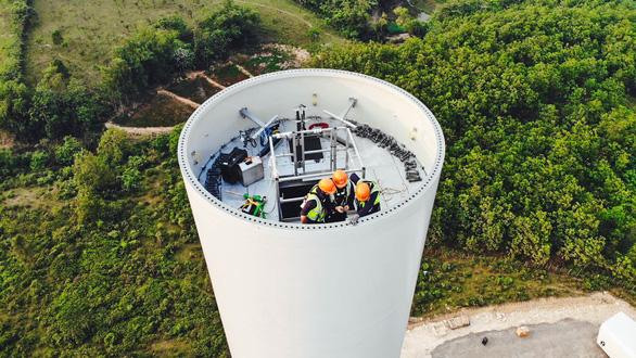 Hàng chục dự án điện gió Quảng Trị bớt nỗi lo 'tắc' truyền tải - Ảnh 2.