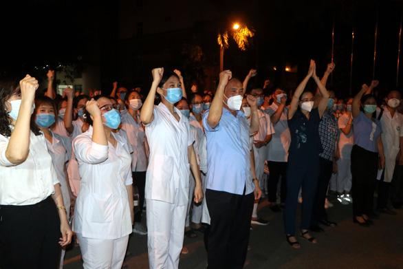 310 sinh viên Đại học Kỹ thuật y tế Hải Dương tình nguyện hỗ trợ TP.HCM chống dịch - Ảnh 1.