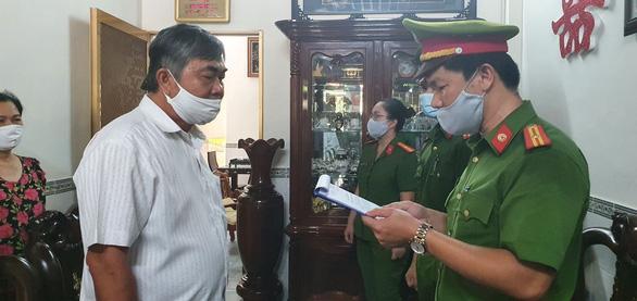 Khởi tố, bắt tạm giam nguyên phó chủ tịch thường trực tỉnh Phú Yên - Ảnh 2.