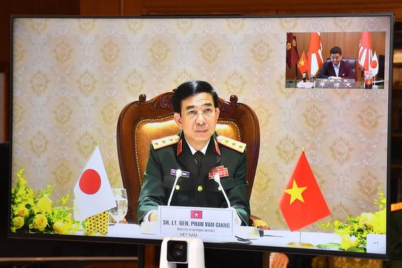 Hội đàm với Việt Nam, Nhật nêu lo ngại về luật hải cảnh Trung Quốc - Ảnh 2.