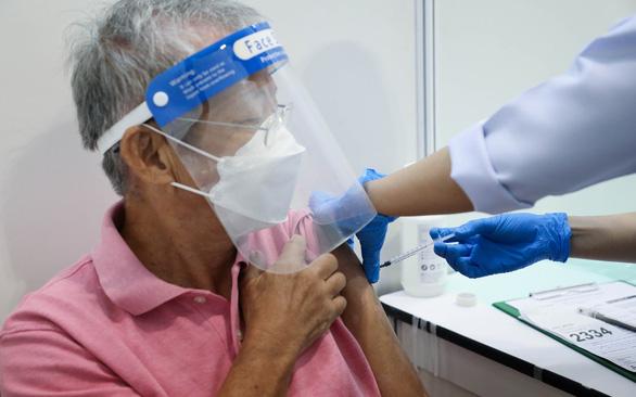 Các nước Đông Nam Á săn tìm vắc xin COVID-19 ra sao? - Ảnh 1.