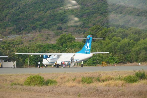 Bộ Giao thông vận tải đồng ý tạm dừng các chuyến bay đến Côn Đảo - Ảnh 1.