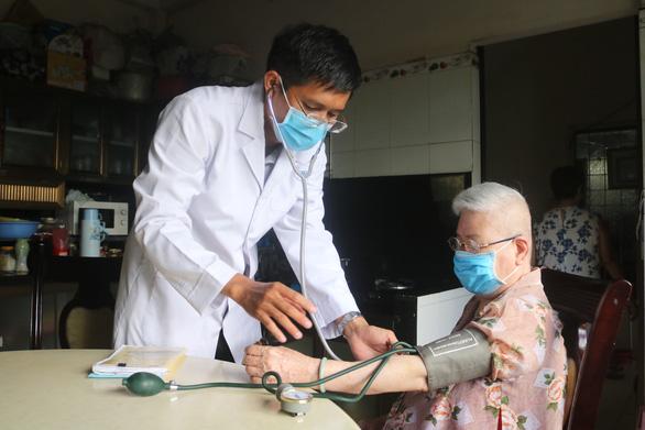Giải pháp mới cho bệnh nhân ung thư vú trong đại dịch COVID-19 - Ảnh 1.