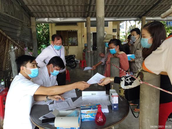 Bạc Liêu cách ly y tế 21 ngày đối với người về từ TP.HCM - Ảnh 1.