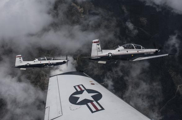Đại tướng Mỹ: Việt Nam mua máy bay huấn luyện quân sự T-6 - Ảnh 1.