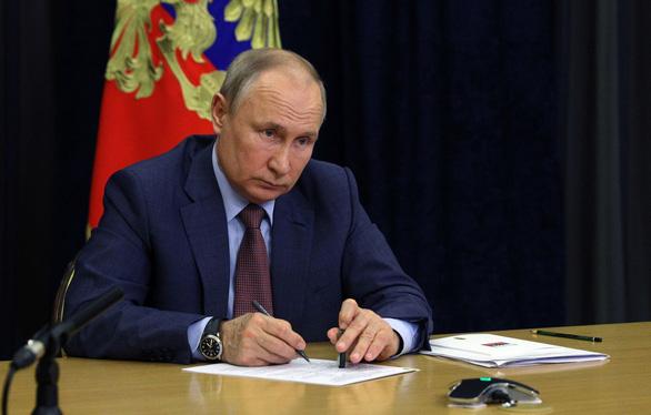 Ông Putin ký luật ngăn phe đối lập tranh cử - Ảnh 1.