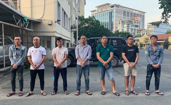 Đề nghị truy tố 16 người trong vụ dàn cảnh tông xe cướp 35 tỉ đồng - Ảnh 1.