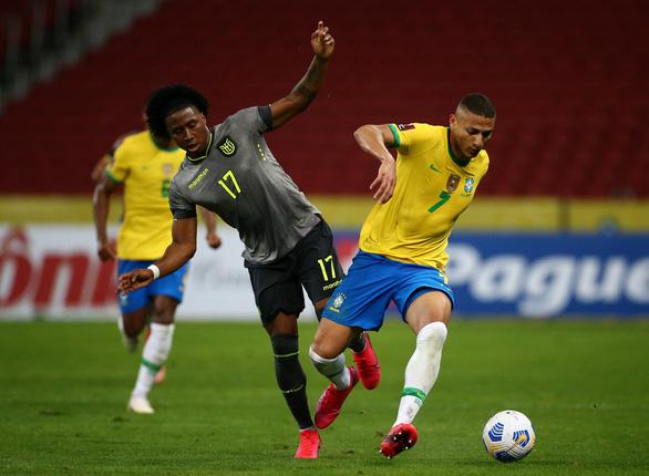 Sút phạt đền hai lần mới thành bàn, Neymar giúp Brazil đánh bại Ecuador - Ảnh 2.