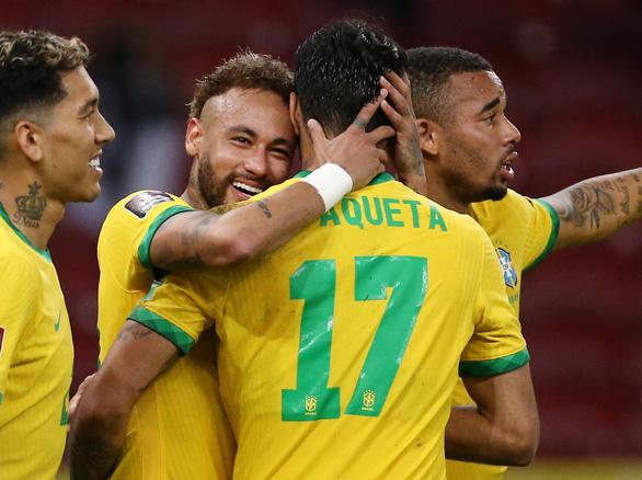 Sút phạt đền hai lần mới thành bàn, Neymar giúp Brazil đánh bại Ecuador - Ảnh 1.