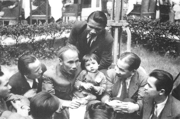 Chủ tịch Hồ Chí Minh và cuộc ra đi lần 2 để giữ nước - Ảnh 1.