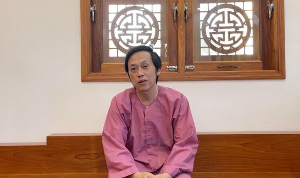 Nghệ sĩ Hoài Linh giải thích và xin lỗi việc chậm giải ngân tiền từ thiện - Ảnh 1.