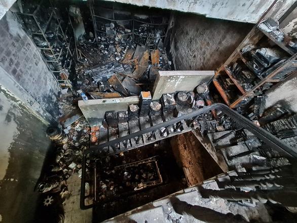 Công an Quảng Ngãi lên tiếng khi bị chê nghiệp dư trong vụ cháy nhà 4 người chết - Ảnh 1.
