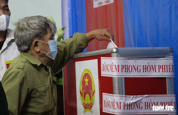 Cử tri Mê Linh bầu cử lại sau khi phát hiện nhiều sai phạm - Ảnh 6.