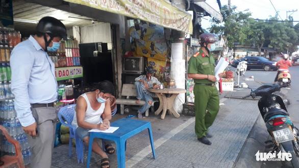 Người từ TP.HCM đến Tiền Giang phải cách ly tại nhà 21 ngày - Ảnh 1.