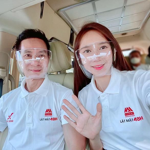 Nghệ sĩ Việt chung tay mua vắc xin - Ảnh 1.