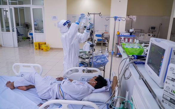 Ông cụ 85 tuổi cấp cứu nhưng không qua khỏi vì sợ đi bệnh viện lây COVID-19 - Ảnh 1.