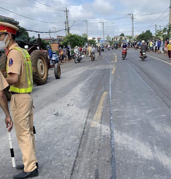 Tai nạn giữa xe khách, xe tải trên quốc lộ 14, 2 người chết, 5 người bị thương - Ảnh 4.
