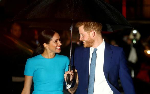 Vợ chồng hoàng tử Harry đặt tên con gái theo nữ hoàng Anh - Ảnh 1.