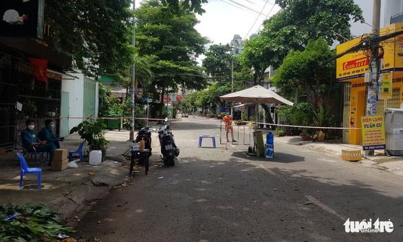 TP.HCM: Một công an phường Phú Trung, Tân Phú dương tính COVID-19 - Ảnh 1.
