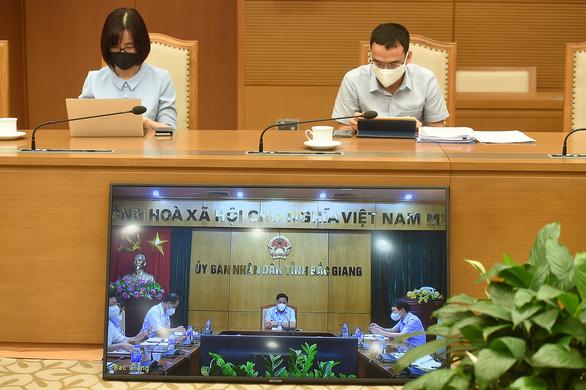 Cơ bản khống chế được dịch bệnh ở Bắc Giang, kiểm soát tích cực tình hình ở TP.HCM - Ảnh 2.