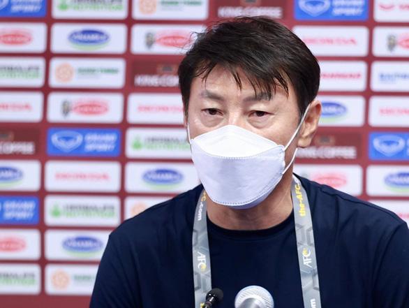 HLV Shin Tae Yong: Từng dự World Cup nhưng tôi chưa thấy trận đấu kiểu này - Ảnh 1.