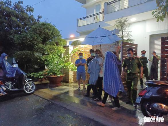 Bắt tạm giam 2 cựu chủ tịch UBND tỉnh Khánh Hòa Nguyễn Chiến Thắng, Lê Đức Vinh - Ảnh 8.
