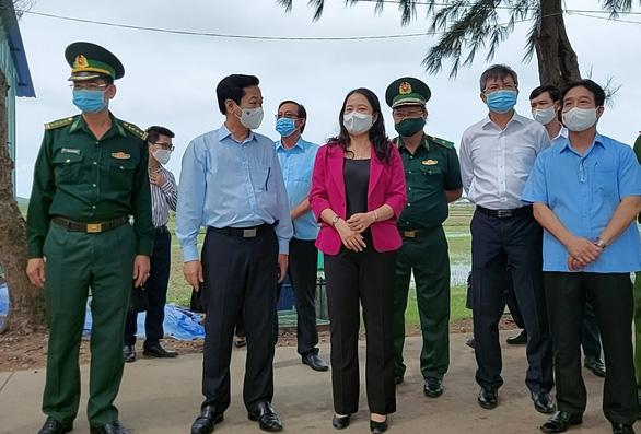 Phó chủ tịch nước Võ Thị Ánh Xuân đề nghị Kiên Giang giữ vững thành tích chống dịch - Ảnh 2.