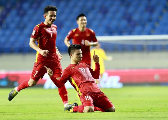 Quang Hải nhận danh hiệu cầu thủ xuất sắc nhất trận đấu tại UAE - Ảnh 2.